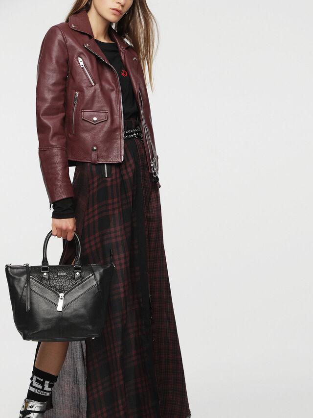 Diesel - LE-NINNA, Black - Shopping and Shoulder Bags - Image 7
