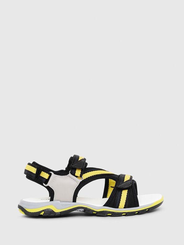 SA 07 STRIPE YO,  - Footwear