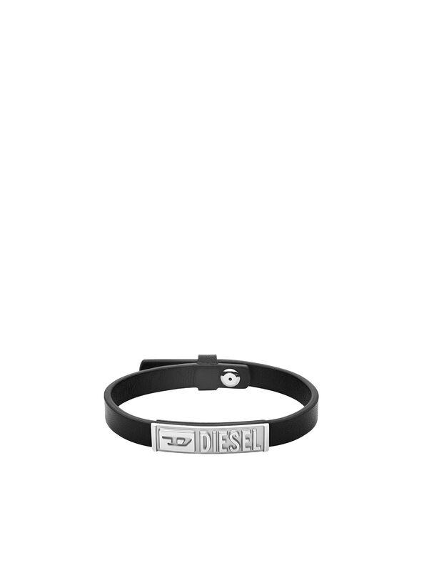 https://no.diesel.com/dw/image/v2/BBLG_PRD/on/demandware.static/-/Sites-diesel-master-catalog/default/dw895c5118/images/large/DX1226_00DJW_01_O.jpg?sw=594&sh=792
