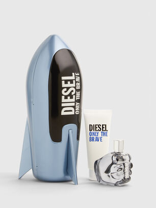 https://no.diesel.com/dw/image/v2/BBLG_PRD/on/demandware.static/-/Sites-diesel-master-catalog/default/dwa688486a/images/large/PL0520_00PRO_001_O.jpg?sw=306&sh=408