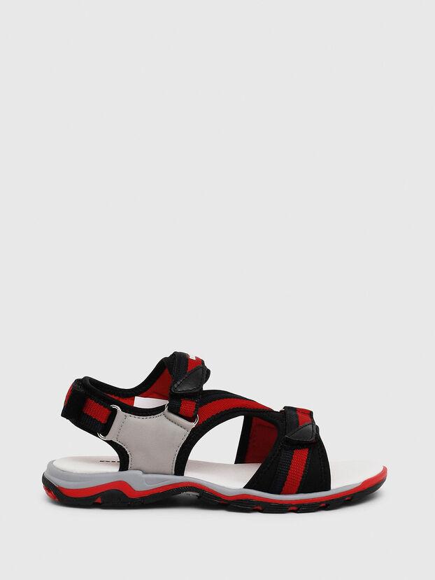 SA 07 STRIPE CH, Grey/Red - Footwear