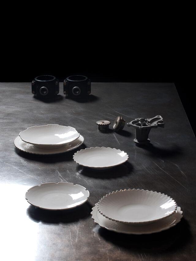 Living 10992 MACHINE COLLEC, White - Plates - Image 3