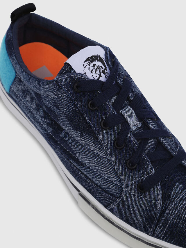 Diesel - D-VELOWS LOW PATCH, Blue Jeans - Sneakers - Image 4