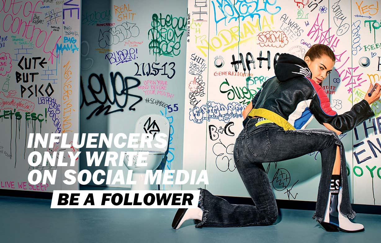 Be a follower Woman